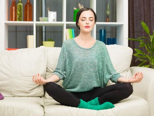 O bem-estar mental proporcionado pela meditação promove melhora na saúde do organismo. Foto: Shutterstock