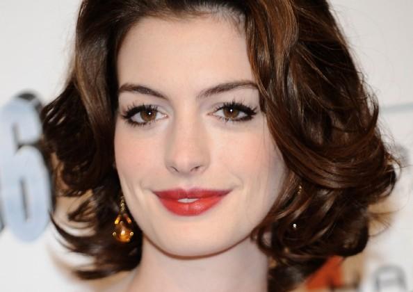 Anne Hathaway wavy bob doutíssima istock getty images