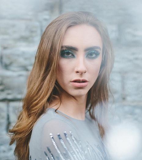 maquiagem-azul-instagram-reprodução-doutíssima