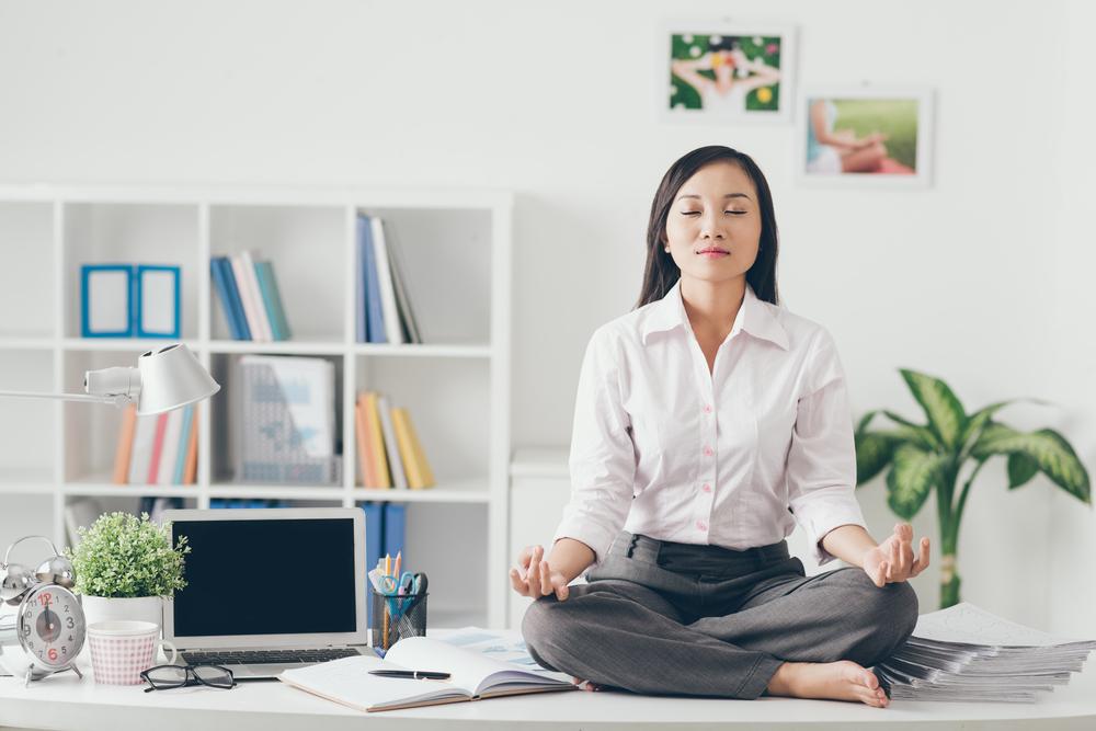 meditação no trabalho-doutissima-shutterstock