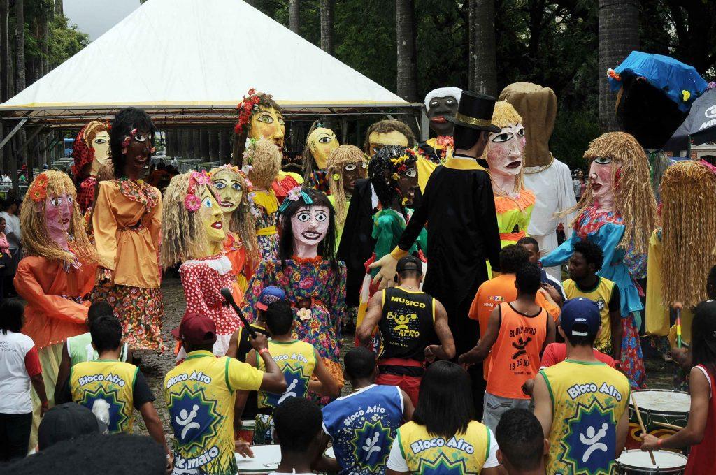 Blocos de rua são opção no carnaval em Minas.