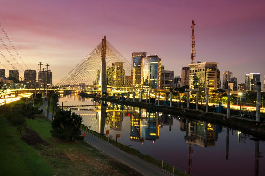 A ponte Octavio Frias de Oliveira é um dos cartões postais da cidade. Foto: iStock, Getty Images