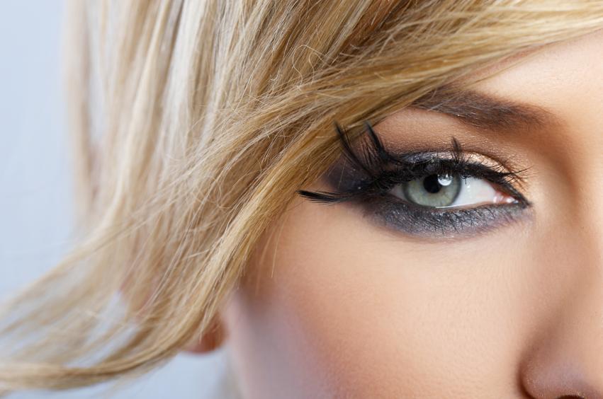 olhos esfumaçados invertidos