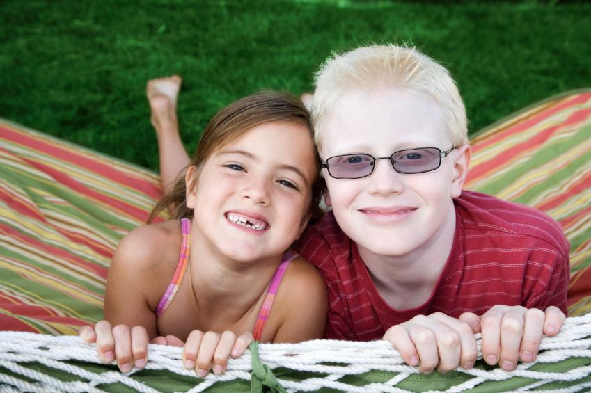 Pessoas albinas precisam de cuidado redobrado com o sol