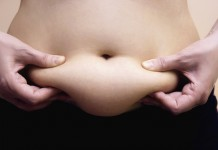 Flacidez na barriga pode ser tratada com abdominoplastia. Foto: iStock/GettyImages
