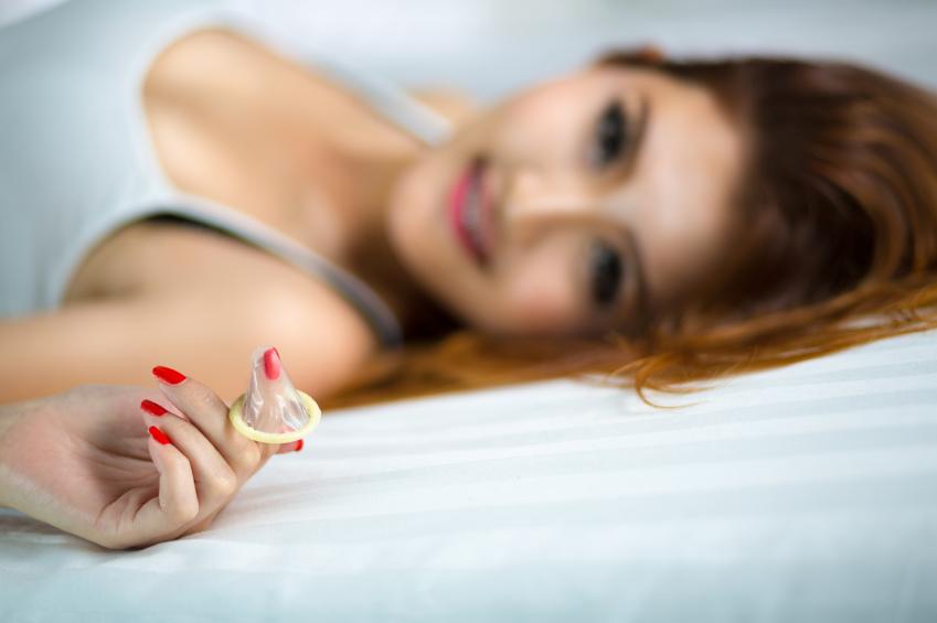 oral com camisinha