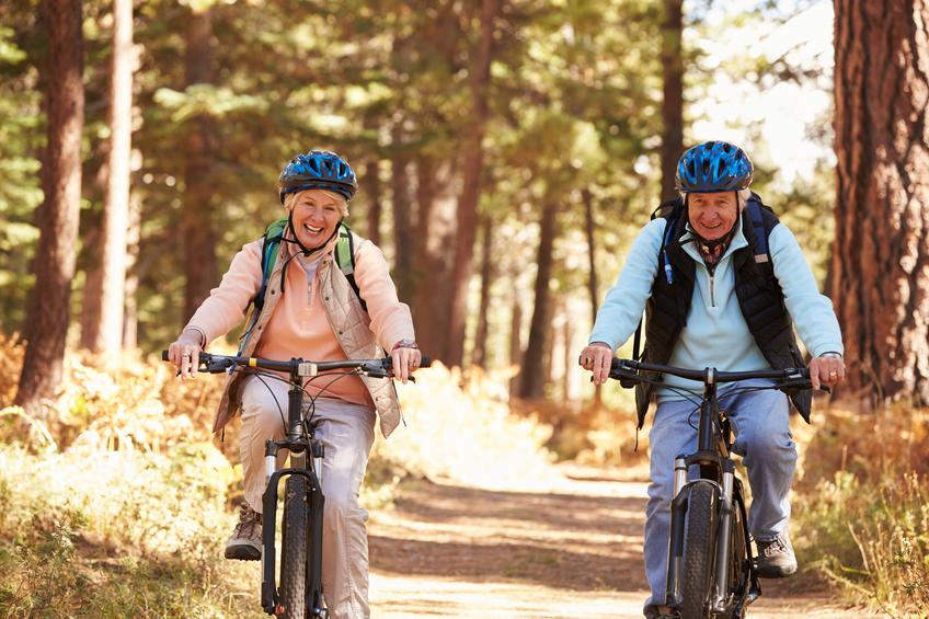 Dia do idoso: atividades físicas ajudam para ter uma boa qualidade de vida. (Foto: Istock)
