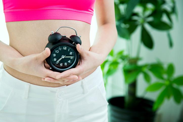 Saiba quais as principais causas do atraso menstrual. (Foto: Istock)