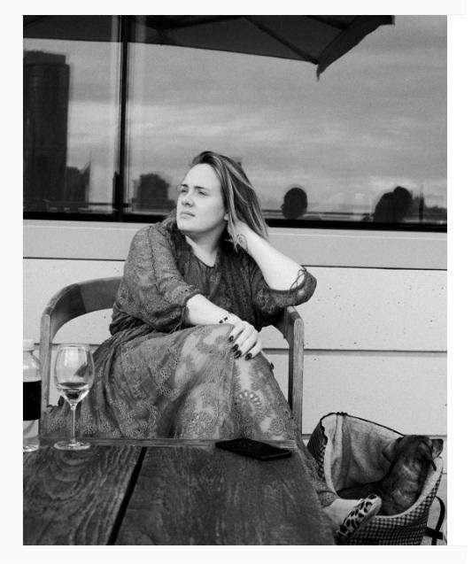 Cantora Adele conta como foi passar por uma depressão pós-parto. (Foto: Instagram)