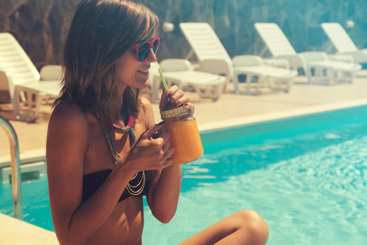 Saiba como manter uma alimentação saudável e outros hábitos no verão. (Foto: Istock)