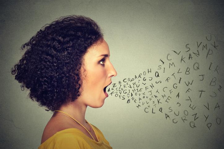 Psicoterapeuta dá dicas para você dizer o que pensa sem criar conflitos. (Foto: Istock)
